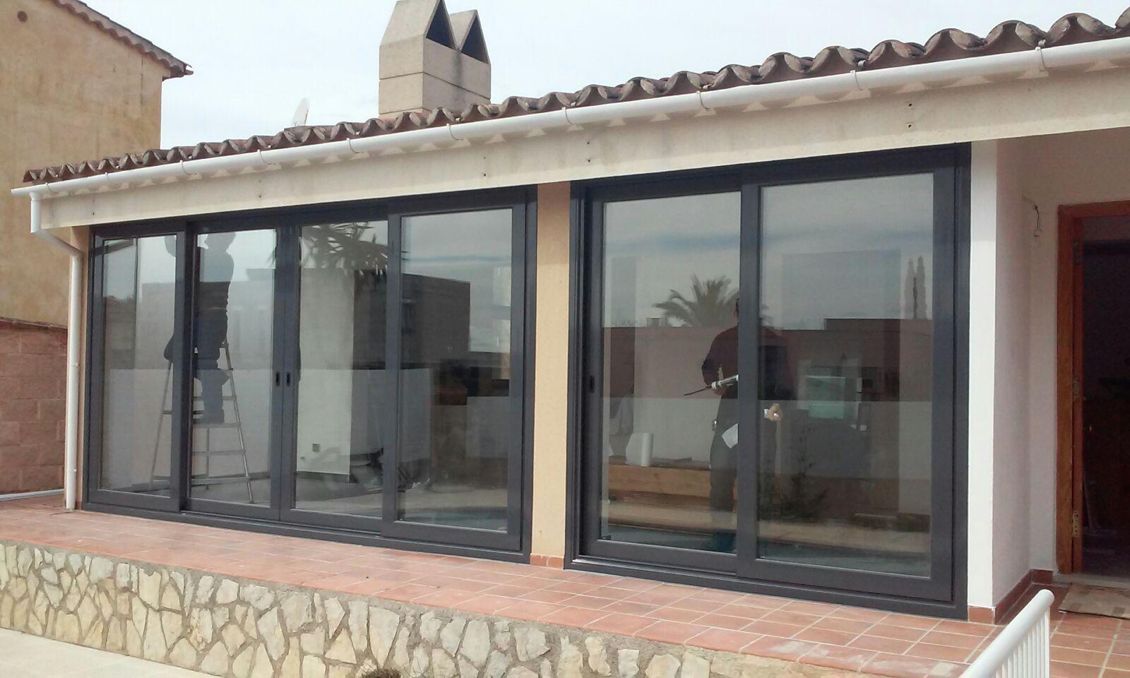 Cerramientos de balcones y terrazas Cristaleria Leon